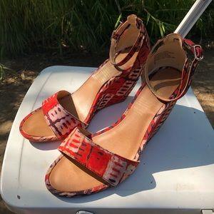 Della for Seychelles Red Madrone Batik Wedges